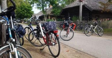 Lietuvos liaudies buities muziejuje – ekskursija su dviračiais