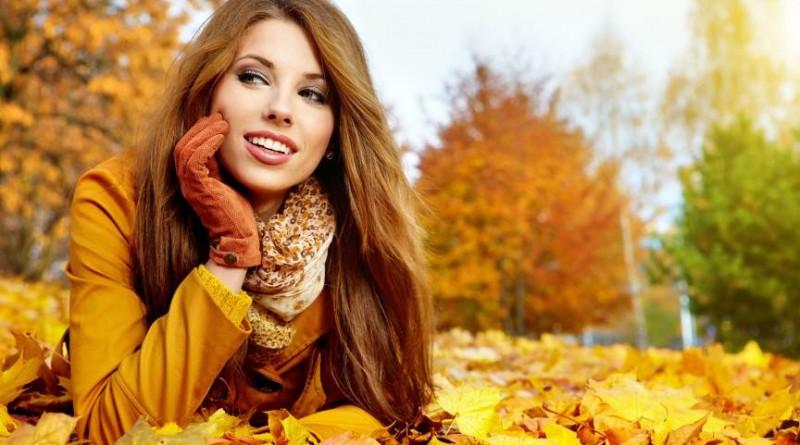 mergina ruduo lapai