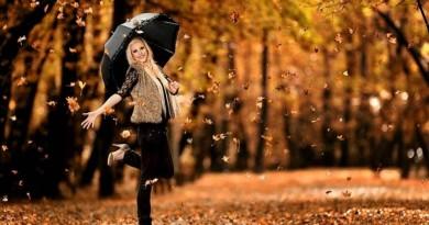 mergina orai ruduo lapai