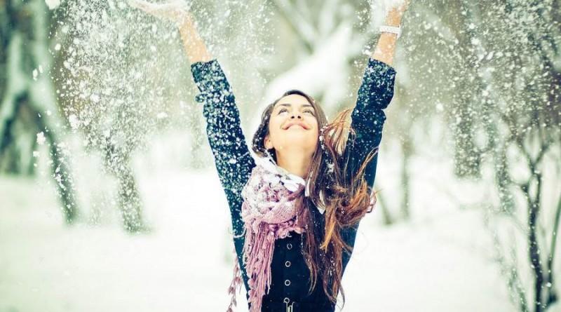 mergina sniegas orai žiema