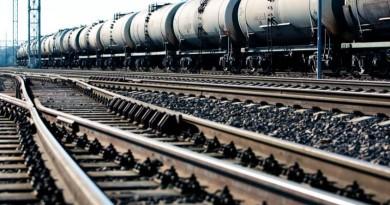 geležinkelio bėgiai traukinys
