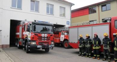 Kaišiadorių priešgaisrinei gelbėjimo tarybai perduotas naujas sunkios klasės gaisrų gesinimo ir gelbėjimo automobilis