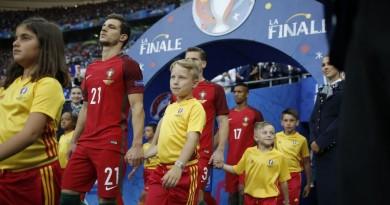 Aštuonmetis vilnietis į EURO 2016 finalą palydėjo Portugalijos rinktinės gynėją Cédric Soares
