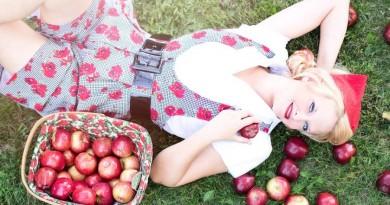ruduo mergina obuoliai sodas