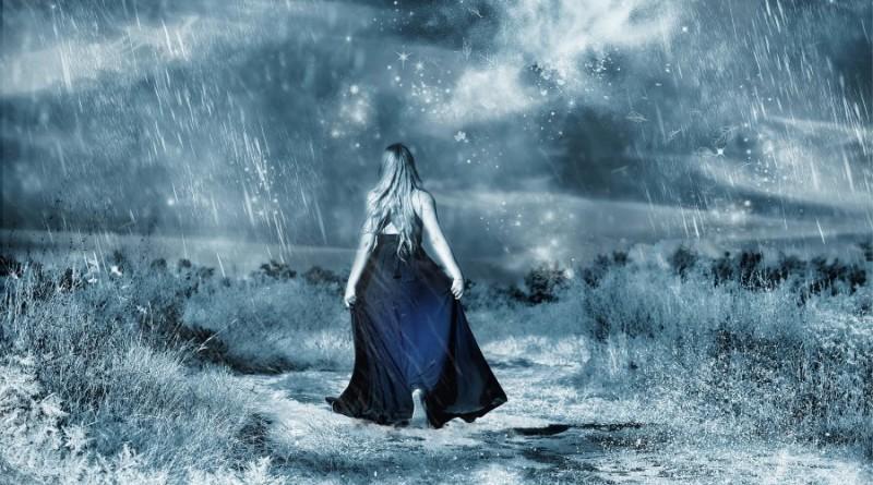 vejas-lietus-sniegas-mergina-orai