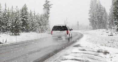 Rajonų keliuose esant ekstremalioms vairavimo sąlygoms galima mokinių į mokyklas nevežti