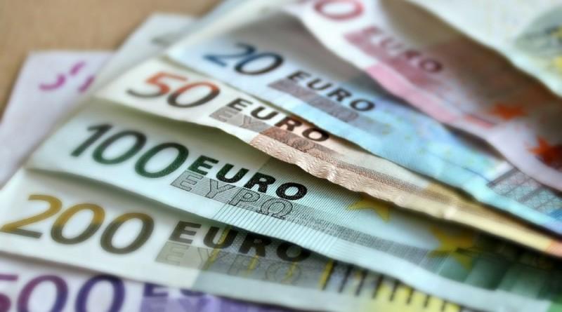 eurai-pinigai-greitieji-kreditai