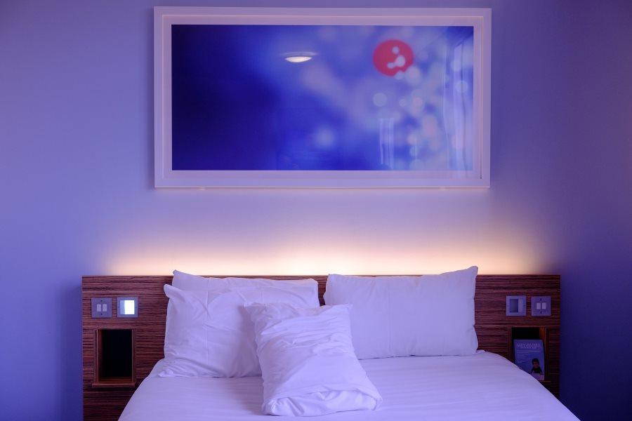 viesbutis-miegamasis-lova