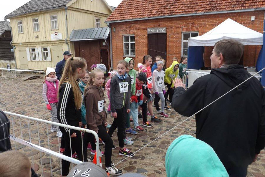 Rumšiškėse vyko bėgimo varžybos olimpinio rekordininko Adolfo Aleksejūno taurei laimėti (4)