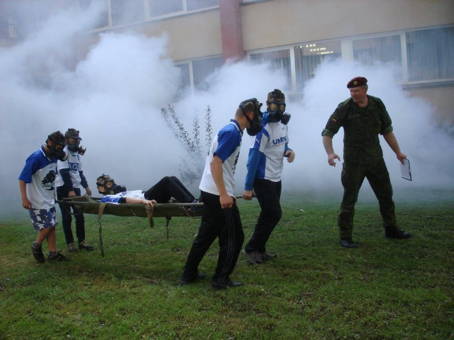 Diena su karius Kaišiadorių šv. Faustinos mokykla