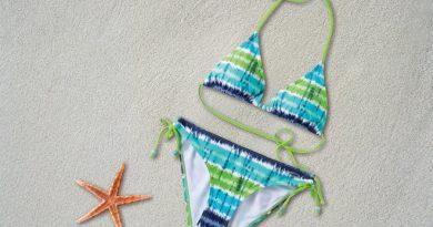 bikini smėlis atostogos