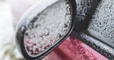 Šaltis automobilis šalna žiema