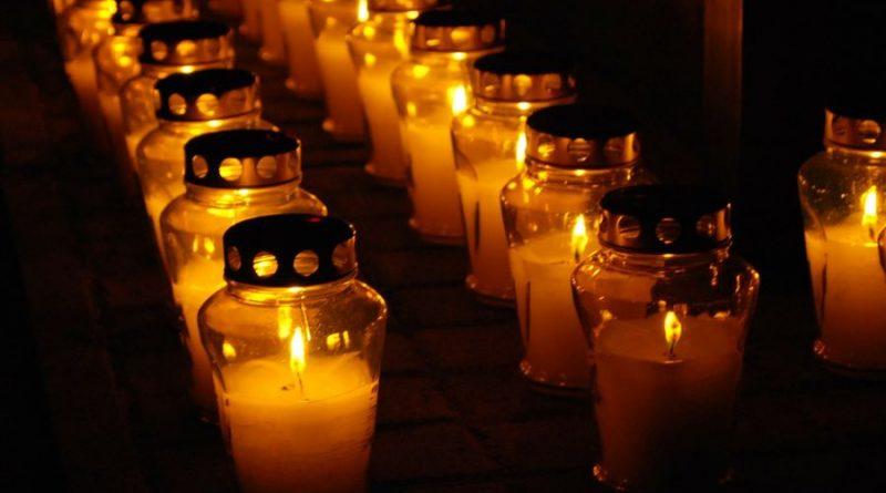 vėlinių žvakės