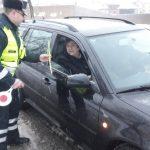 Kaišiadorių r. PK pareigūnai sveikino moteris vairuotojas bei pėsčiąsias (5)