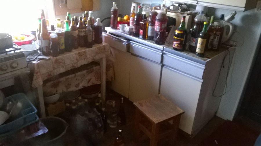 Nelegalus alkoholis
