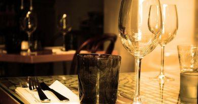 stalas vakarienė