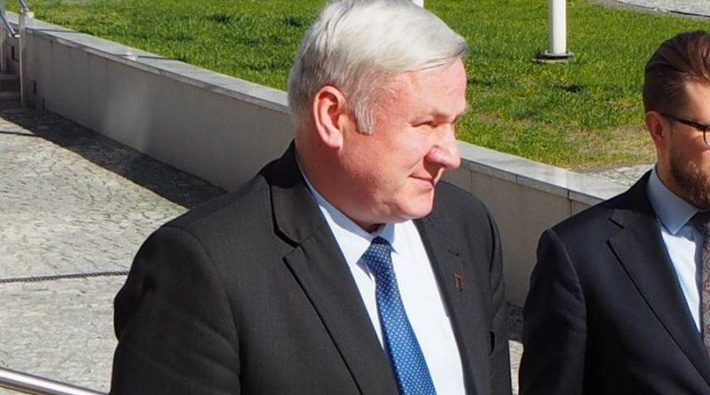Dalis tarybos narių merui įteikė pareiškimą dėl nepasitikėjimo Kaišiadorių rajono savivaldybės administracijos direktoriumi