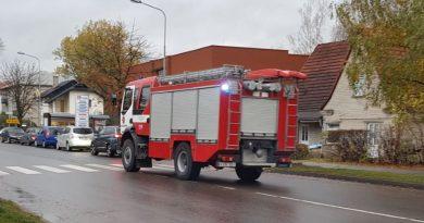 Atvykę į gaisravietę Kaišiadorių ugniagesiai išgelbėjo vyro gyvybę