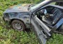 """Kaišiadorių rajone kelionė vogtu """"Volvo"""" jaunam vyrui baigėsi griovyje (foto)"""